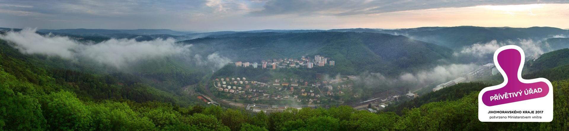 Adamov, město v přírodě