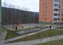 Venkovní hrací plocha s pískovištěm na ulici Neumannova, Adamov III