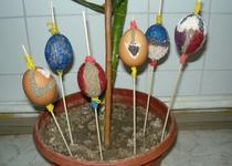 Velikonoční pečení perníčků a zdobení vajíček