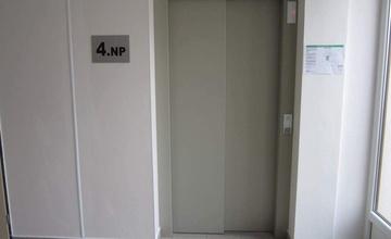 Oprava výtahu Komenského 6