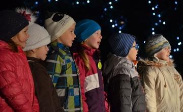Slavnostní rozsvícení vánočního stromu ve fotografiích