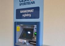 Nový bankomat v Adamově III