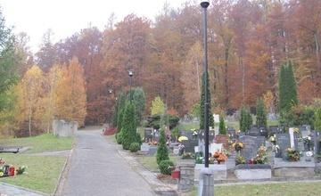 Druhé sečení areálu nového hřbitova