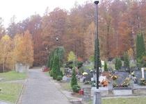 Třetí sečení areálu nového hřbitova