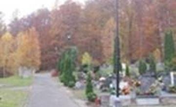 Čtvrté sečení areálu nového hřbitova