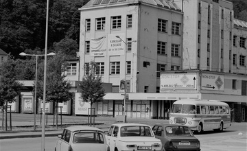 Doklikovaná 2019 - sraz starších a historických vozidel na náměstí Práce