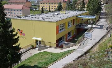 Upozornění na uzavření chodníku u MŠ P. Jilemnického