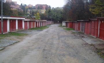 Oprava komunikace – Údolní – středový pás garážového bloku