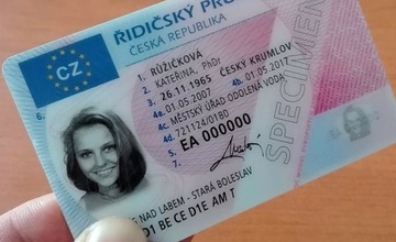 Na přelomu července a srpna se plánuje odstávka ve vydávání občanských průkazů a cestovních pasů