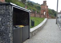 Třídění odpadu na Starém hřbitově v Adamově I
